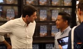 Un Dreamer que confrontó a Paul Ryan durante una presentación donde el republicano firmaba su libro e intentaba evadir las preguntas sobre DACA. Foto: latinpost.com