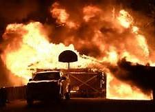 Incendios en Ventura amenazan estructuras o propiedades. Foto: newslocker.com