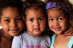 Niños como estos, que están inscritos en CHIP, corren el riesgo de quedarse en unos cuantos días sin su seguro de salud. Foto: Kids4all.