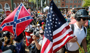 Supremacistas blancos inundan Charlotesville, Virginia, azuzados por las palabras de odio de Trump. Foto: www.motherjones.com.