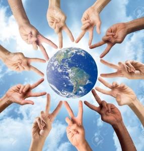 22246440-Concepto-de-la-paz-y-multirraciales-con-las-manos-Mundial-proporcion--Foto-de-archivo