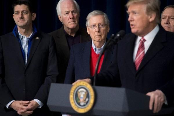 Congreso republicano y Trump miran de reojo el plan del gasto público. Foto: Yahoo.