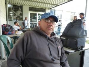 Martin Antonio Velázquez voluntario en tareas de orientación a los repatriados.