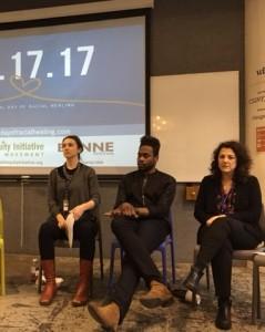 En la jornada de sanación racial que se organizó en la ciudad de Nueva York en 2017, un grupo personas de distintas razas expusieron sus opiniones sobre el racismo. Foto Marco Vinicio González.