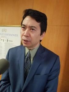 Robin Toma, Director Ejecutivo de la Comisión de Relaciones Humanas del Condado de Los Ángeles, el más grande del país.