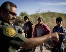 Cruzando la frontera. Foto: npr.org.