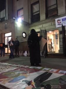 A 41 meses de la desaparición de los 43, mexicanos en Nueva York y Antonio Tizapa, pare de José Antonio Tizapa Leguideño, exigen al gobierno mexicano frente al Consulado de México en Nueva York que devuelva con vida a los normalistas. Foto: MVG.