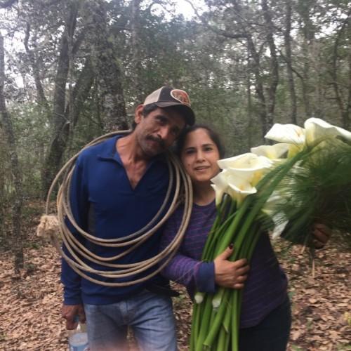 Un nuevo encuentro o encuentro entre Carmen y Román, al volver San Luis Potosí, México tras ser deportado.