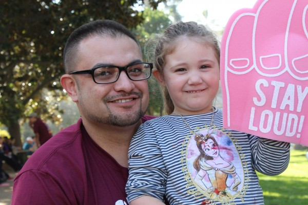 EEduardo Crabbe, a single dad from Stockton, worries about the poor air  quality in the San Joaquin Valley because his 4-year-old daughter, Jaylnn, suffers from asthm a. She carries an inhaler at all times, he said. (Ana B. Ibarra/California Healthline)