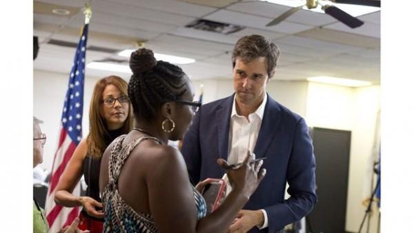 Representante estatal texano Beto O'Rourke, Demócrata de El Paso, Texas, en una reunión pública en agosto de 2017. O'Rourke se postula para el Senado de Estados Unidos contra el actual senador republicano Ted Cruz. Foto: The Texas Tribune.