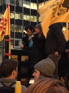 Frente a las oficinas centgrales de Triana Partners en la exclusiva Avenida Park, en el Mid town de Manhattan, invitan a Wendy's a sumarse al Programa de Comida Justa. foto: MVG.