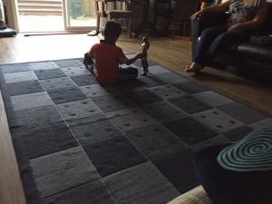 Su hijo de 5 años es el más travieso, dice Yocelyn.