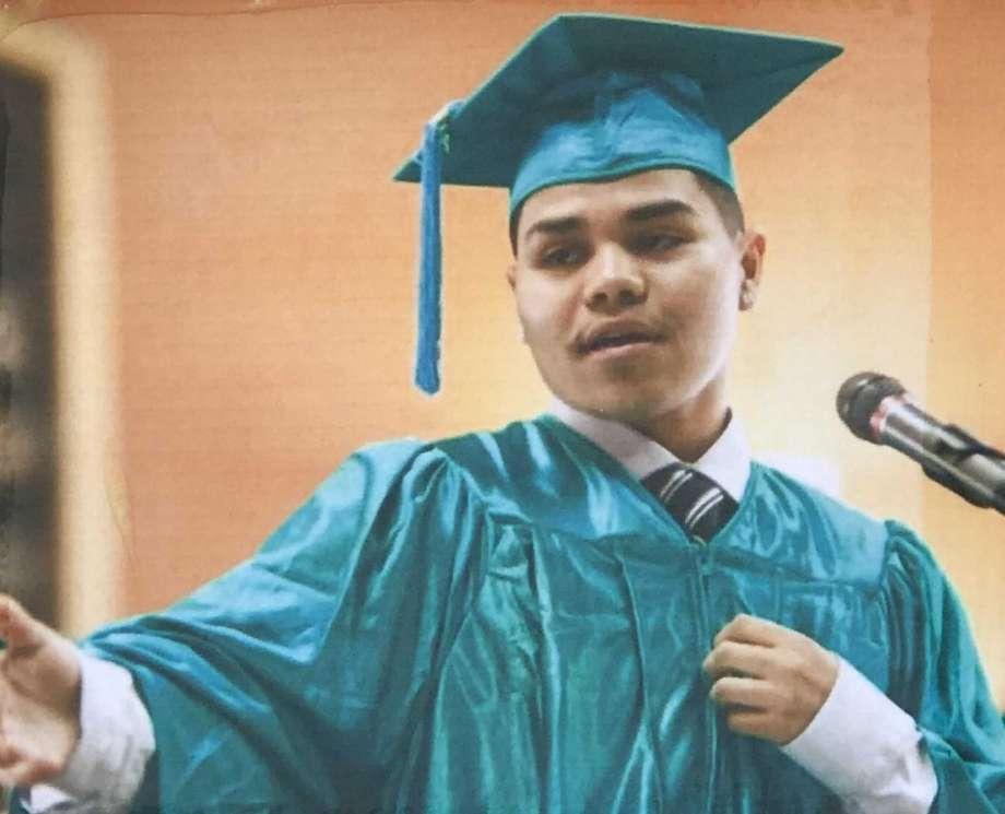 Jesús Adolfo Delgado Duarte, de 19 años. Estaba escondido en la cajuela de un auto cuando lo acribillaron.