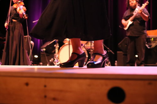 Una sesión de jarana y zapateo, propios del fandango. Footo: Theatre Brava.