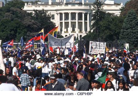 Protestas frente a la Casa Blanca. Foto: www.alamy.com.