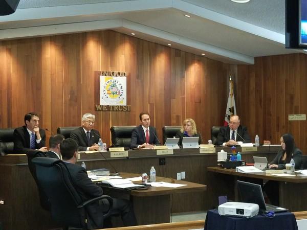 Concilio de Los Alamitos, listos para votar contra SB 54.