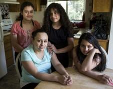 Bernarda y su familia. Foto: Cortesía de Maru Mora Villalpando.