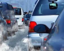 Monóxido de carbono de los escapes de automóviles que no cumplen con las reglas de eficiencia para el consumo de combustible. Foto: www.dicis.org.