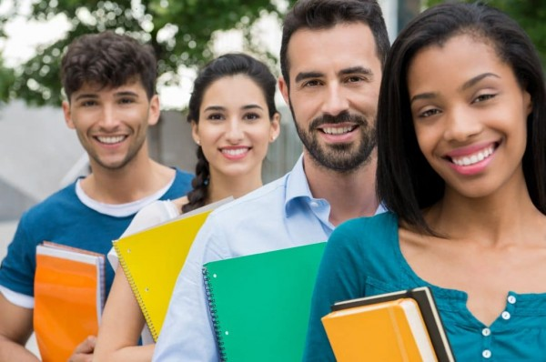 Mulvaney degrada la unidad de pr stamos estudiantiles en for Telefono oficina del consumidor
