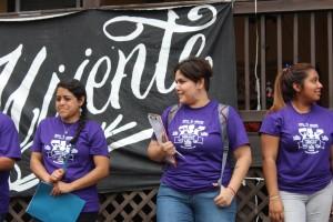 En el arranque de la campaña Voto de Mayo, Gina Pérez se muestra entusiasta.