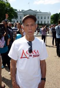 Don Virgilio Alemán octogenario hondureño que llegó a Estados Unidos a finales de 1990. No tiene familia y a pesar de su edad tiene dos trabajos.