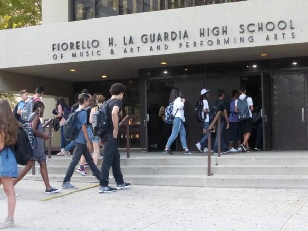 Esta escuela ubicada en Manhatan presenta uno de os ingresos mas codiciados, y tiene un alarga lista de espera. La mayoría de los estudiantes son blancos y asiáticos. Foto: insideschools.org.