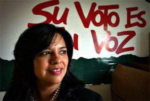 Lydia Camarillo, vicepresidenta del Southwest Education Voter Registration Education Project (SVREP), desempeña un papel clave en el desarrollo y la ejecución de estrategias para los esfuerzos de movilización no partidista de SVREP. Foto: Cortesía del SVREP.