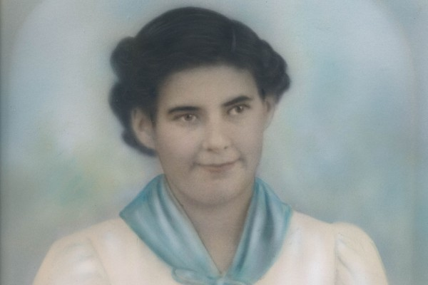 Rosie Zaballos tenía solo 16 años en 1939 cuando su hermano la registró para un procedimiento de esterilización en un hospital estatal de California, para que no pudiera tener hijos que sumaran una carga a la familia. Rosie murió durante la operación. (Cortesía de Barbara Swarr).