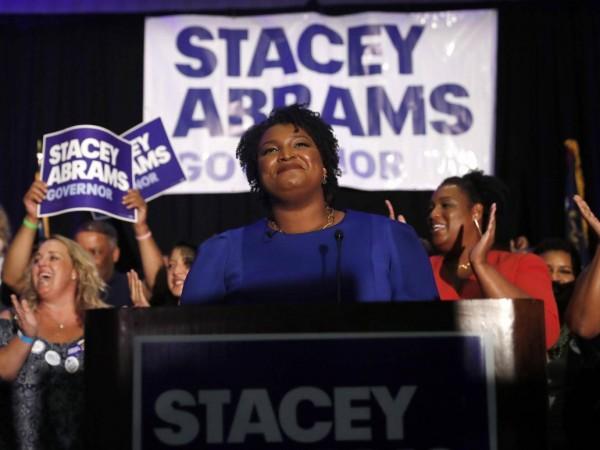 Stacey Abrams dijo que su estrategia para las elecciones intermedias es ampliar el electorado al atraer a los votantes jóvenes y no blancos que no habían votado. Foto:  AP