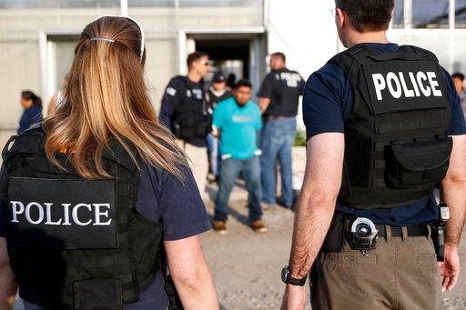 Agentes de Ice arrestan a trabajadores indocumentados en una empresa de jardinería en Ohio. Fox28spokane.com