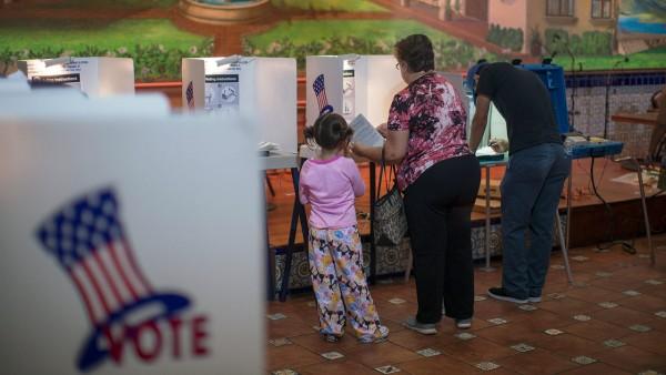 """En las elecciones primarias de California para seleccionar a los dos candidatos –'top two""""-con la más alta votación para estar en la boleta electoral de noviembre. Foto: www.chanell4000.com."""