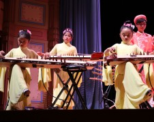 The Au Co Vietnamese Cultural Center's Youth Ensemble. Photo: Sonia Narang/ACTA.