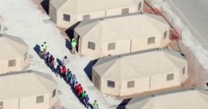 Tiendas de lona o campamentos de concentración para niños inmigrantes indocumentados detenidos por Inmigración, en Tornillo, Texas. Foto: MSNBC.