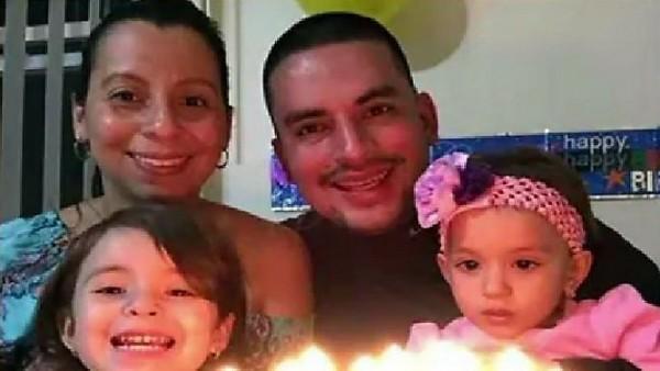Pablo Villavicencio-Calderón, su esposa y sus dos hijas. Foto: Tweeter.