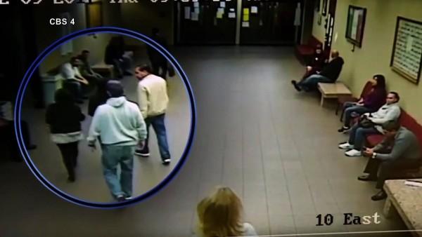 Mujer indocumentada es arrestada en una corte al acudir a su cita con el juez. Foto: www.democracynow.org.