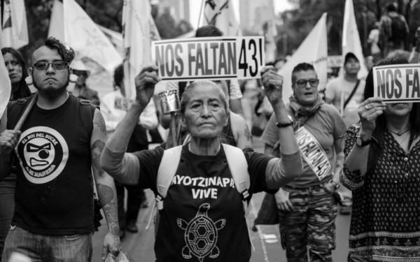 Manifestación contra decisión del tribunal federal que desacredita la creación de la Comisión de la Verdad. Foto: www.reporteindigo.com.