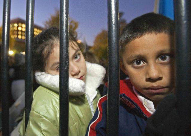 Niños que tendrán su día de corte. Foto: www.nbclatino.com.