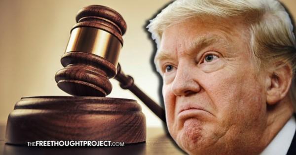 De cuando un juez federal emitió una suspensión de emergencia contra la orden ejecutiva de  Trump que traba de imponer una prohibición a la inmigración de varios países mayormente musulmanes. Foto: www.thefreethoughtproject.com.