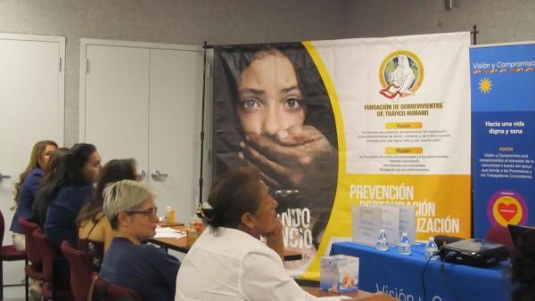Foro sobre sobrevivientes de tráfico humano, organizado por Visión y Compromiso.