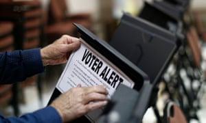 Las elecciones estadunidenses son demasiado fáciles de hackear. Foto: The Guardian.