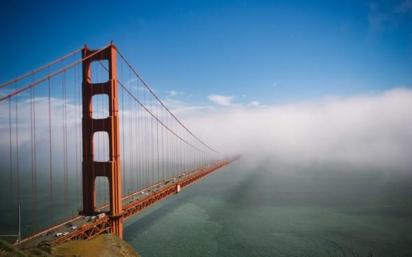 El Puente Dorado / Golden Gate Bridge que conduce a la ciudad de San Francisco, California, donde arrancó el lunes la Cumbre Climática, 'Soil Not Oil'. Foto: sitio web de Global Climate Action Summit.