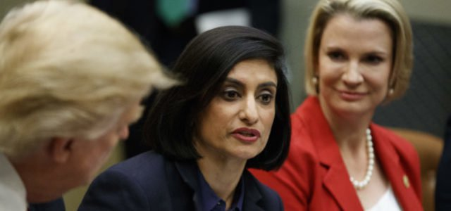 In the image, Seema Verma and other woman tallk to presidente Trump about the first time in the history of the program, the federal government will allow states to impose work requirements for access to Medicaid. Credit: https://studentloanhero.com.
