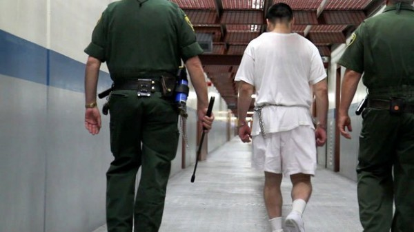 Adentro de la prisiones estadunidenses. Foto: Mother Jones.