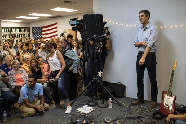 """El candidato demócrata al Senado, Beto O'Rourke, corre una campaña con temas considerados """"muy liberales"""". Foto: NYT."""