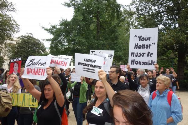 Protesta en las inmediaciones del Congreso, en Washington, contra las audiencias de confirmación de Brett Kavanaugh a la Suprema Corte.