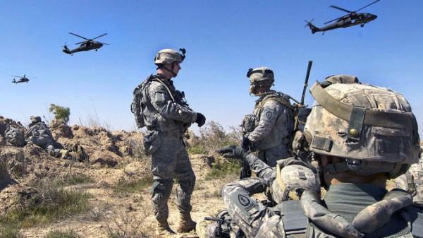 Tropas estadunidenses artilladas con helicópteros en la frontera con México. Foto: www.yournewswire.com.