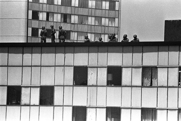 2 de octubre de 1968. El Ejército ocupa los edificios de Tlatelolco y la Plaza de las Tres Culturas. Foto: Agencia EL UNIVERSAL