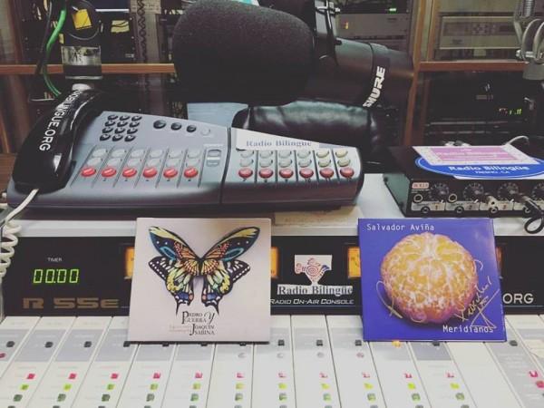 Uno de los estudios de Radio Bilingüe en Fresno, California, foto: Radio Bilingüe.