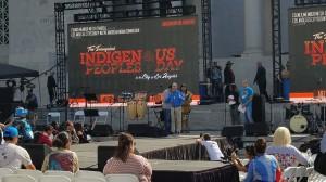 Concejal Mitch O'Farrell da la bienvenida a las delegaciones de pueblos indígenas que llegaron a celebrar la histórica fecha.