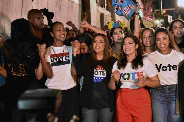 La actriz Eva Longoria habló sobre la importancia de que los latinos voten y encuentren puntos en común con sus compatriotas estadunidenses. Foto: USA Today.